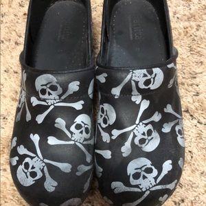 Pirate Sanitas